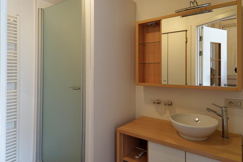23G - Bathroom 1