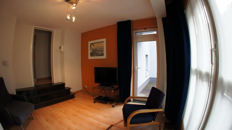 Living room 23A & 23C