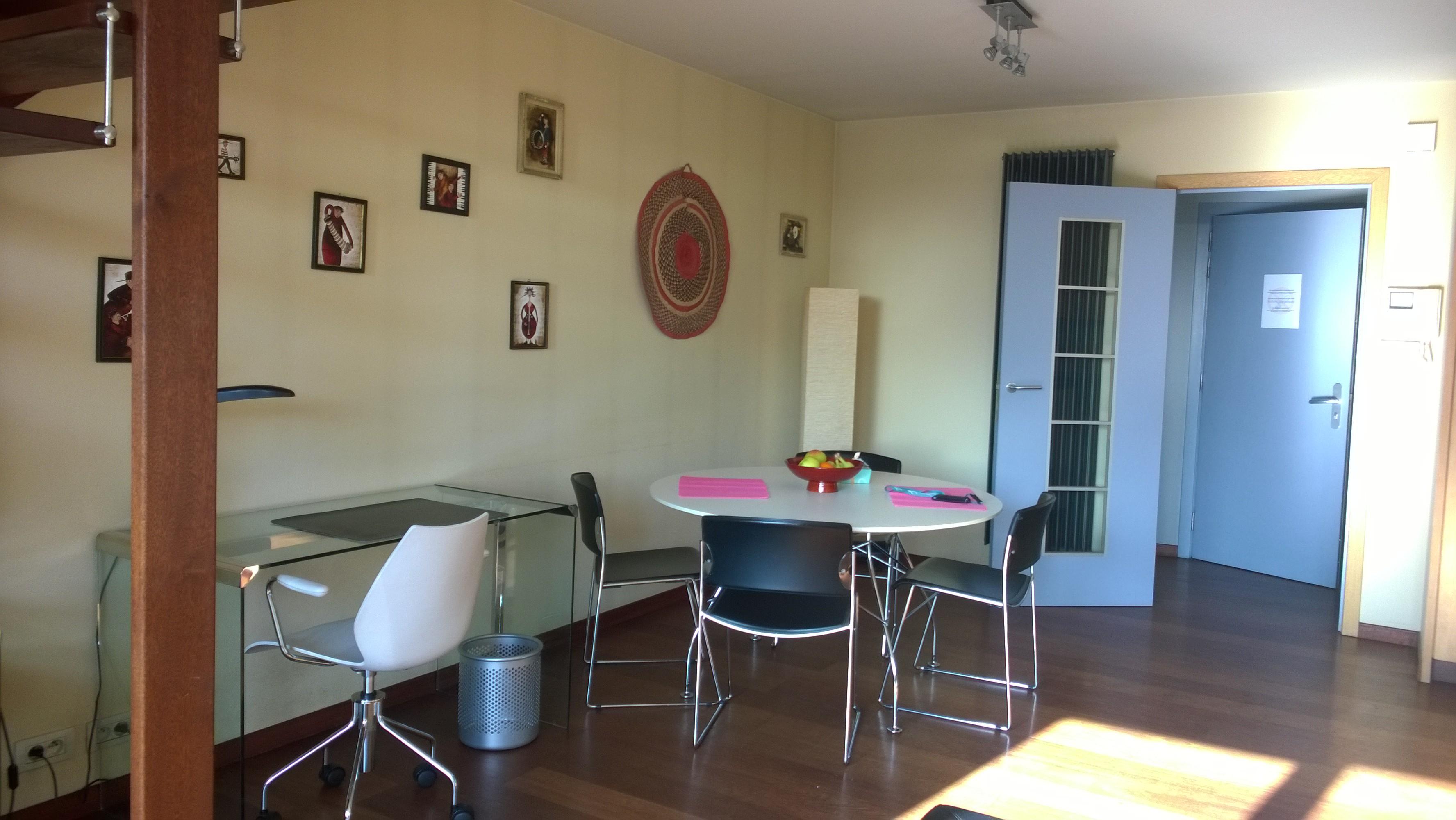 23F - Living room